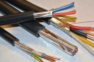 От чего же зависит цена кабелей и проводов